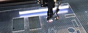 Лазерная резка оргстекла